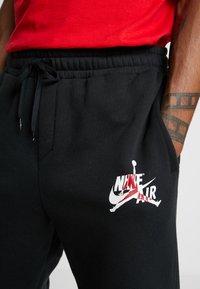 Jordan - JUMPMAN CLASSICS - Pantalones deportivos - black/white - 4