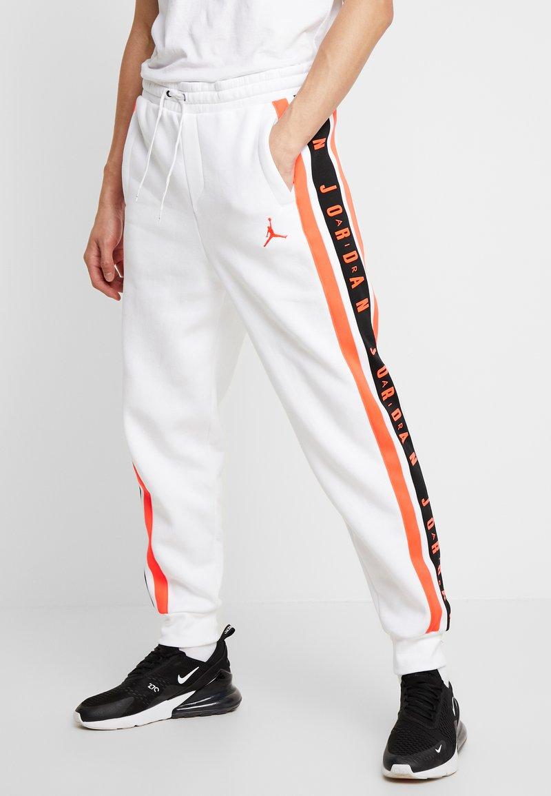Jordan - AIR GRADIENT PANT - Joggebukse - white/ infrared