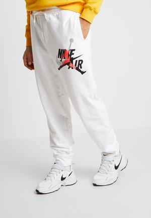 M J JUMPMAN CLSCS LTWT PANT - Teplákové kalhoty - white