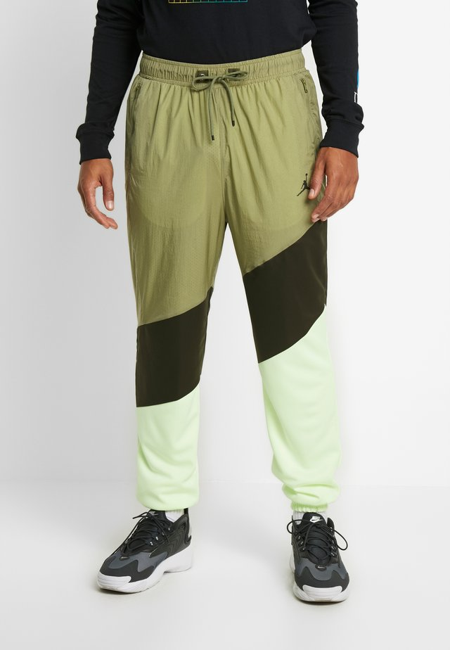 WINGS DIAMOND PANT - Tracksuit bottoms - thermal green/sequoia