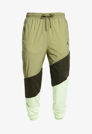 WINGS DIAMOND PANT - Spodnie treningowe - thermal green/sequoia