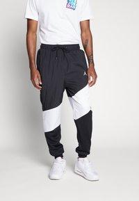 Jordan - WINGS DIAMOND PANT - Spodnie treningowe - black/white - 0
