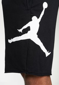 Jordan - M J JUMPMAN FLC SHORT - Shorts - black/white - 3