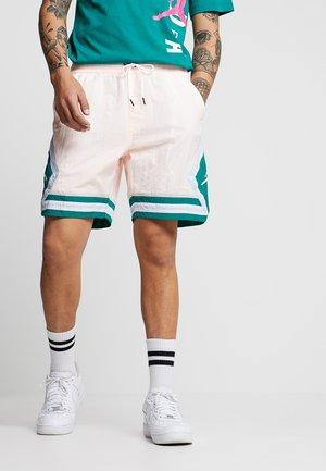 DIAMOND POOLSIDE  - Shorts - crimson tint/mystic green/white