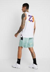 Jordan - Pantalones deportivos - quartz/black/luminous green - 2