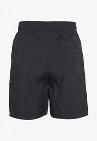 Jordan - JUMPMAN POOLSIDE - Shortsit - white/gym red/black - 1