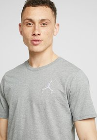Jordan - JUMPMAN AIR TEE - T-paita - carbon heather/white - 4