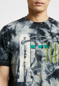 Jordan - TEE AIR JORDAN WASH - T-shirt med print - spruce fog/black - 4