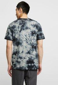 Jordan - TEE AIR JORDAN WASH - T-shirt med print - spruce fog/black - 2