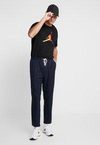 Jordan - FILL CREW - T-shirt imprimé - black - 1