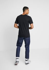 Jordan - AIR CREW - T-shirt med print - black/white - 2