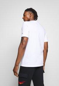 Jordan - CHIMNEY - T-shirt con stampa - white - 2
