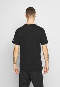 Jordan - CHIMNEY - T-shirt med print - black - 2