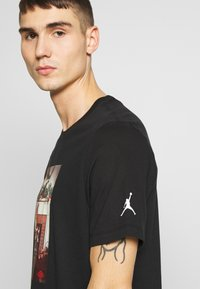 Jordan - CHIMNEY - T-shirt med print - black - 4