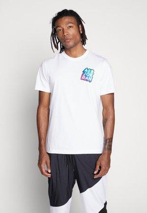 STICKER MASH CREW - T-shirt imprimé - white