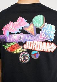 Jordan - STICKER MASH CREW - T-shirt con stampa - black - 5