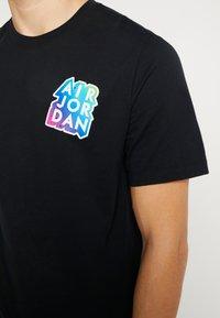 Jordan - STICKER MASH CREW - T-shirt con stampa - black - 3
