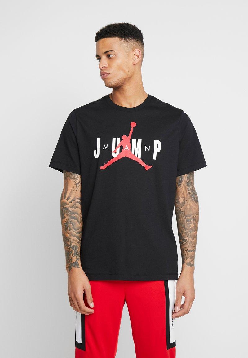 Jordan - JUMP CREW - T-shirt med print - black/gym red