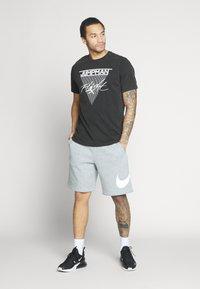 Jordan - JUMPMAN FLIGHT CREW - T-shirt con stampa - black - 1