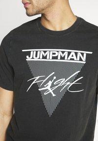 Jordan - JUMPMAN FLIGHT CREW - T-shirt con stampa - black - 5