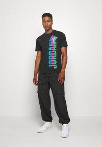 Jordan - Print T-shirt - black - 1
