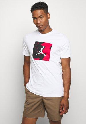 M J POOLSIDE CREW - T-shirt con stampa - white
