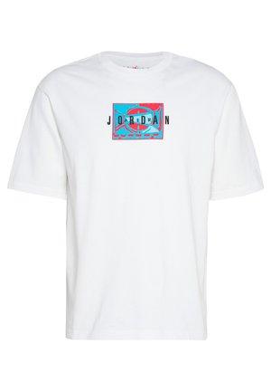 Jordan Sport DNA Kurzarm-Rundhalsshirt für Herren - T-shirt con stampa - white/black