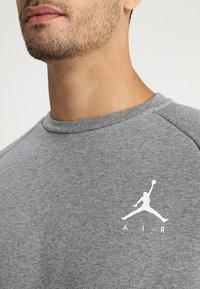 Jordan - JUMPMAN CREW - Sweatshirt - carbon heather/white - 4