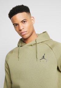 Jordan - JUMPMAN - Hoodie - thermal green/black - 3