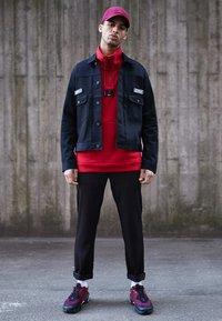 Jordan - FLIGHT LOOP 1/4 ZIP - Sweatshirt - gym red - 3