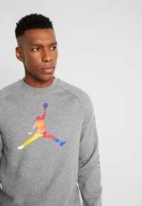 Jordan - CREW - Sweatshirt - carbon heather - 5