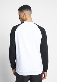 Jordan - JUMPMAN CREW - Sweatshirt - white/black - 2