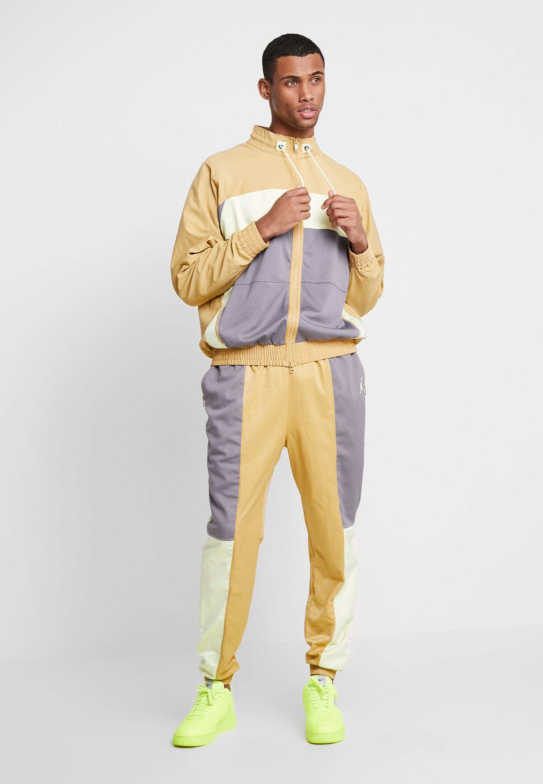 Jordan WINGS SUIT - Kurtka sportowa - gunsmoke/club gold/luminous green