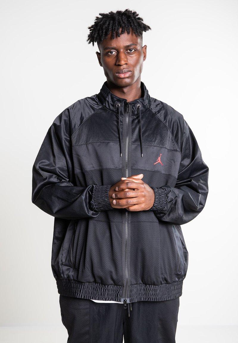 Jordan - WINGS SUIT  - Trainingsvest - black/gym red