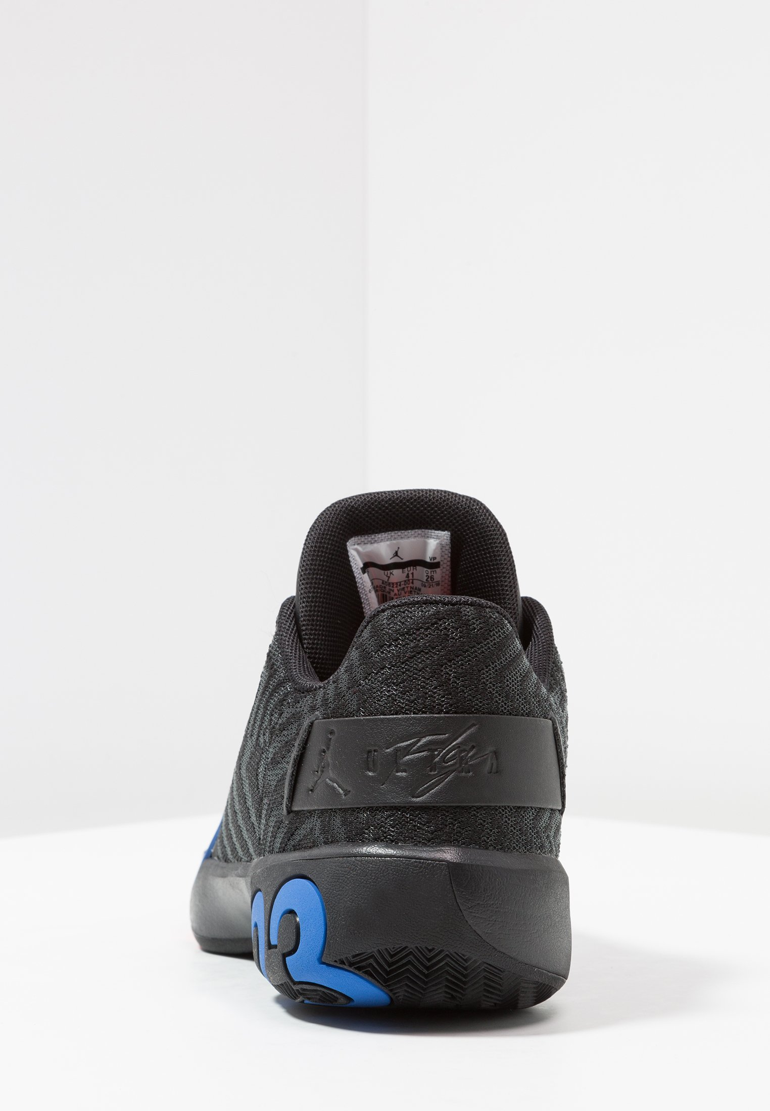 ULTRA FLY 3 LOW Chaussures de basket blackpacific bluebright crimson