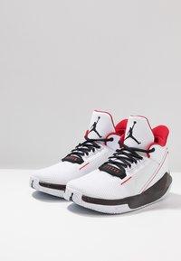 Jordan - 2X3 - Indoorskor - white/black/gym red - 2