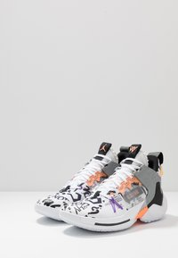 Jordan - WHY NOT 0.2 SE - Obuwie do koszykówki - white/orange pulse/black/particle grey/bright violet - 2