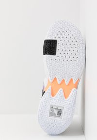 Jordan - WHY NOT 0.2 SE - Obuwie do koszykówki - white/orange pulse/black/particle grey/bright violet - 4