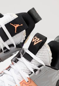 Jordan - WHY NOT 0.2 SE - Obuwie do koszykówki - white/orange pulse/black/particle grey/bright violet - 5