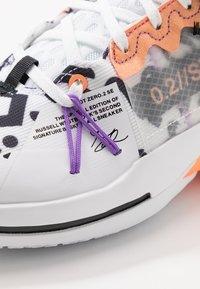 Jordan - WHY NOT 0.2 SE - Obuwie do koszykówki - white/orange pulse/black/particle grey/bright violet - 6