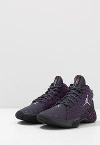 Jordan - JUMPMAN DIAMOND MID - Obuwie do koszykówki - gridiron/metallic silver/black/hyper violet - 2