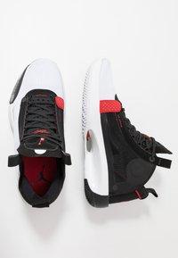 Jordan - AIR XXXIV - Koripallokengät - white/red orbit/black - 1