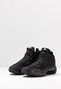 Jordan - AIR XXXIV - Koripallokengät - black/dark smoke grey/electric green - 2