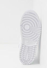 Jordan - 1 MID - Basketbalové boty - white - 5