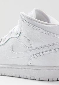 Jordan - 1 MID - Basketbalové boty - white - 2
