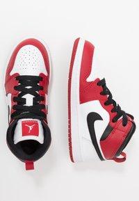 Jordan - 1 MID - Basketbalschoenen - white/gym red/black - 0