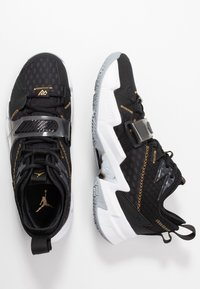 Jordan - WHY NOT ZER0.3 - Basketball shoes - black/metallic gold/white - 1