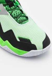 Jordan - WESTBROOK ONE TAKE - Koripallokengät - white/black/rage green - 5