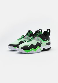 Jordan - WESTBROOK ONE TAKE - Koripallokengät - white/black/rage green - 1
