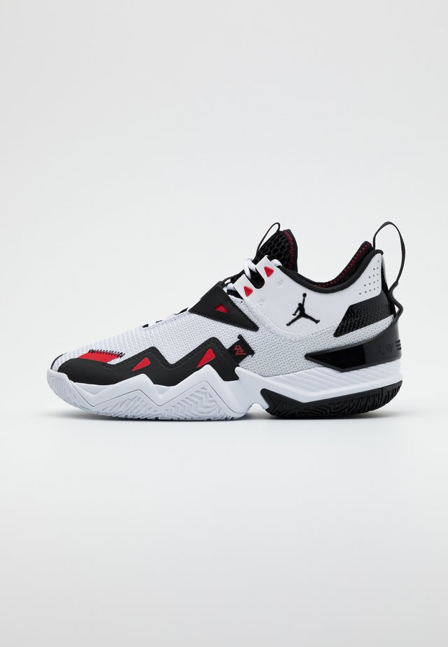WESTBROOK ONE TAKE - Basketbalové boty - white/black/university red